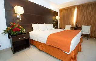 Suite Room City House Soloy & Casino Hotel