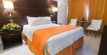 Deluxe Room City House Soloy & Casino Hotel